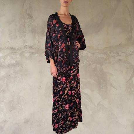 Kimono e abito lungo nero